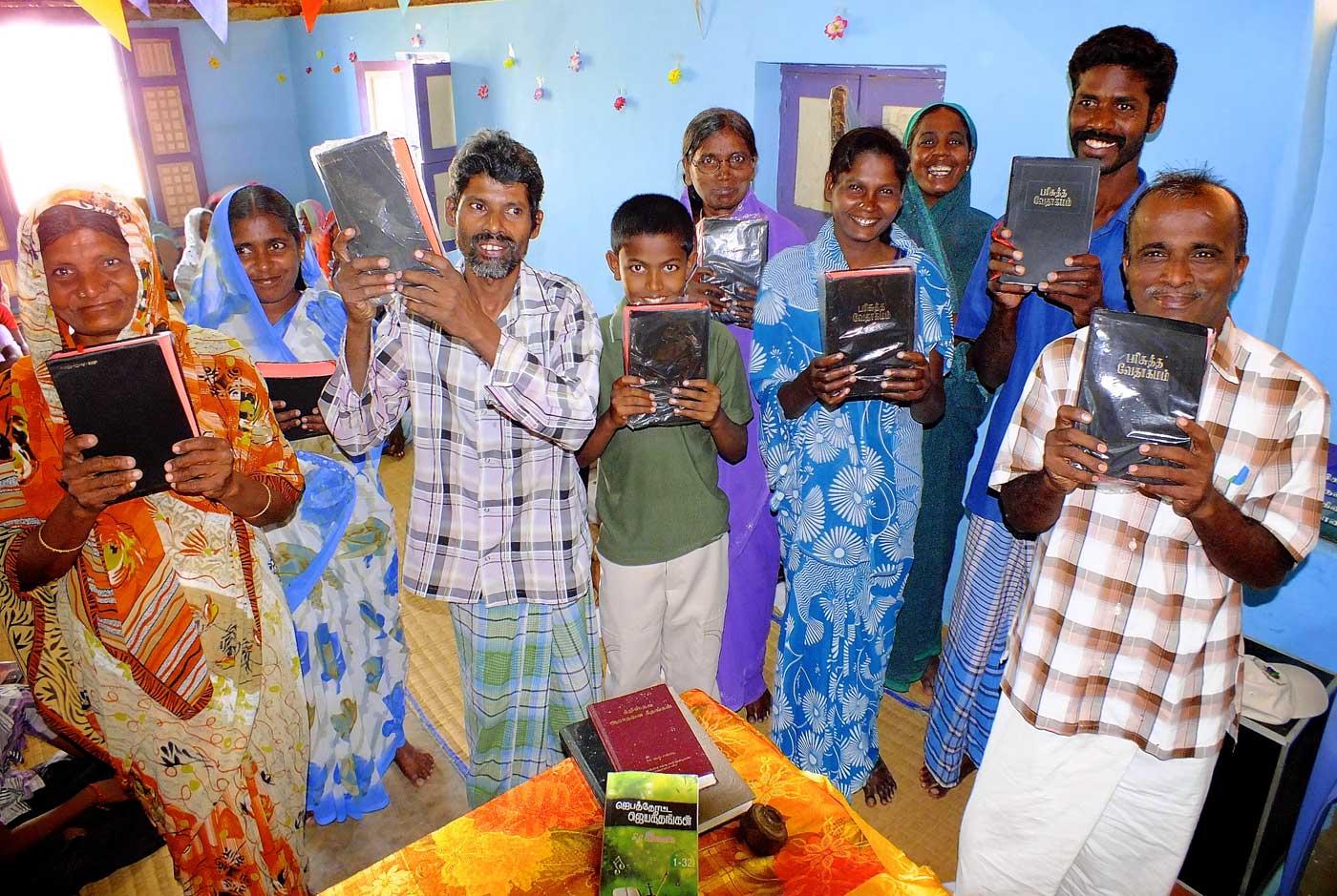 Bible-distribution